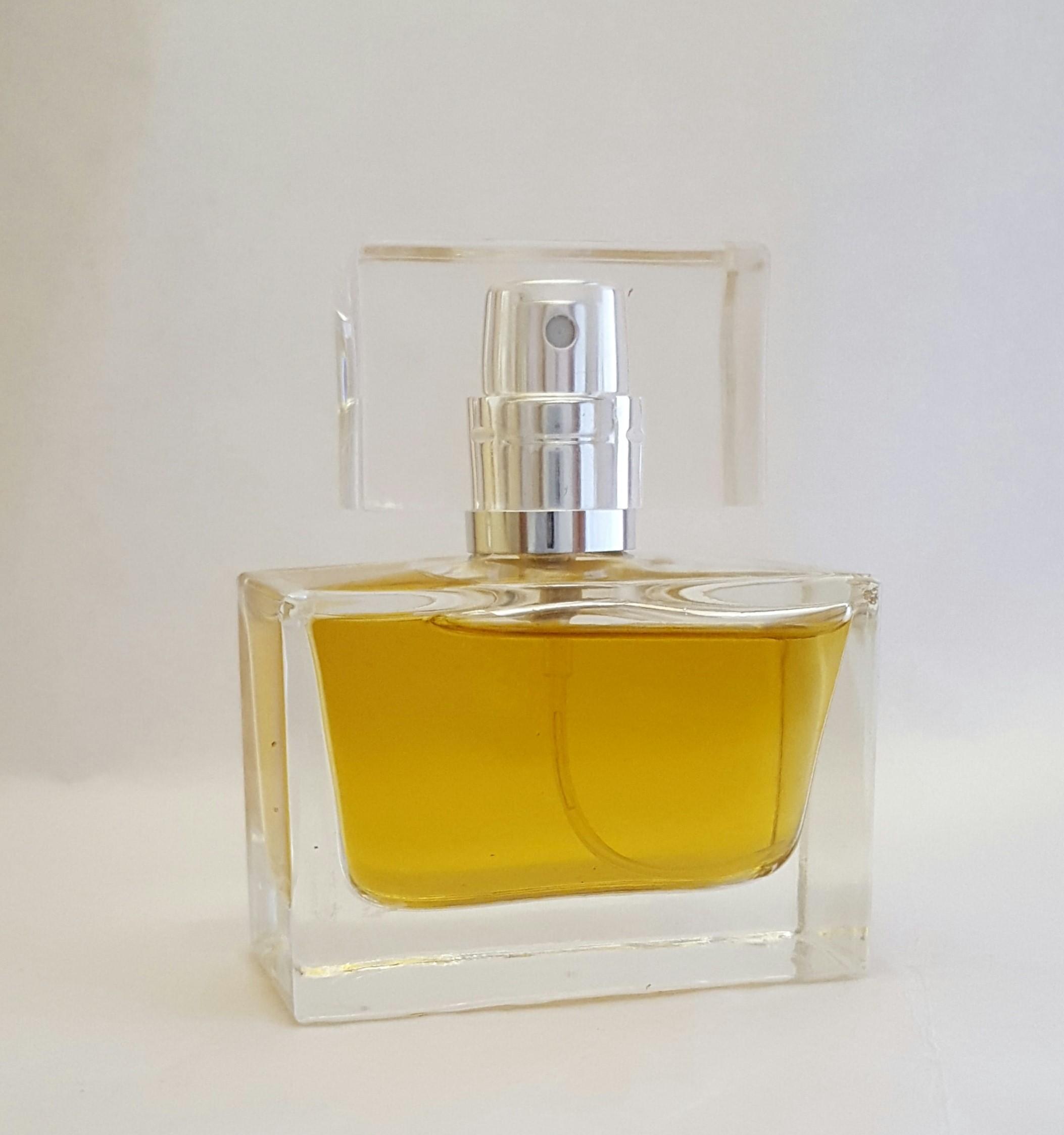bottiglia di profumo